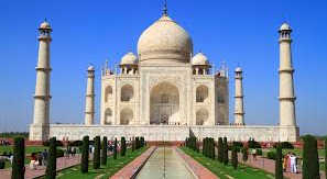 The Stupendous Architecture of Taj Mahal imbibed in Symphony of Love